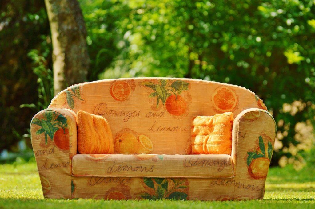 sofa-788649_1280